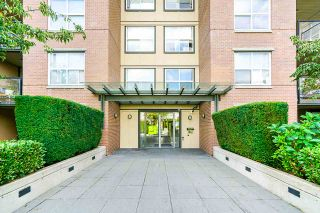 "Photo 3: 323 10707 139 Street in Surrey: Whalley Condo for sale in ""Aura II"" (North Surrey)  : MLS®# R2494782"