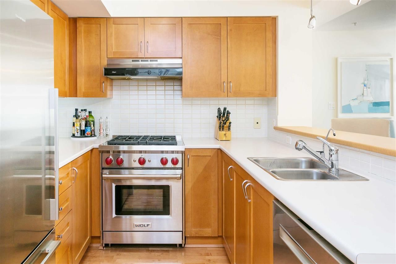"""Photo 2: Photos: 309 2181 W 12TH Avenue in Vancouver: Kitsilano Condo for sale in """"Carlings"""" (Vancouver West)  : MLS®# R2517965"""