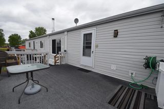 Photo 1: 20 Hornshaw Street in Pine Ridge: Pineridge Trailer Park Residential for sale (R02)  : MLS®# 202011922