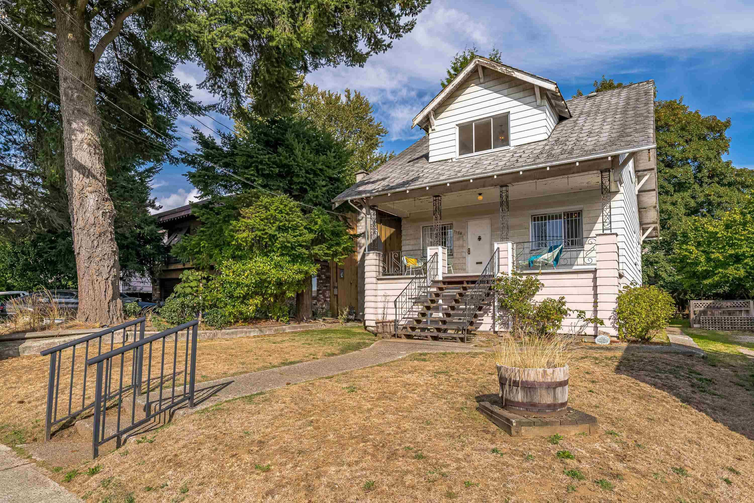 Main Photo: 5584 RUPERT Street in Vancouver: Collingwood VE House for sale (Vancouver East)  : MLS®# R2617436