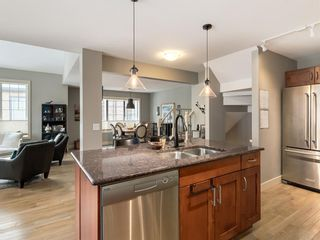Photo 11: 502 10 Discovery Ridge Hill SW in Calgary: Discovery Ridge Row/Townhouse for sale : MLS®# A1050015