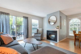"""Photo 2: 37 900 W 17TH Street in North Vancouver: Mosquito Creek Townhouse for sale in """"Foxwood Hills"""" : MLS®# R2503930"""