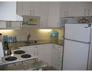"Photo 3: 105 1790 W 10TH Avenue in Vancouver: Fairview VW Condo for sale in ""BALAYRE VILLA"" (Vancouver West)  : MLS®# V656163"