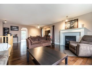 Photo 5: 18937 60A Avenue in Surrey: Cloverdale BC House for sale (Cloverdale)  : MLS®# R2573894