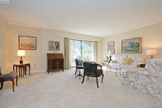 Photo 4: 305 2125 Oak Bay Ave in VICTORIA: OB South Oak Bay Condo for sale (Oak Bay)  : MLS®# 771363