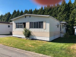 Photo 1: 35 13507 81 Avenue in Surrey: Queen Mary Park Surrey Manufactured Home for sale : MLS®# R2581343
