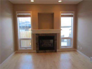 Photo 7: 1046 RUNDLE Crescent NE in CALGARY: Renfrew Regal Terrace Residential Attached for sale (Calgary)  : MLS®# C3506695
