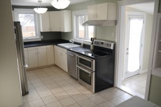 Photo 4: 1157 Parker Avenue in : West Fort Garry Single Family Detached for sale (South Winnipeg)  : MLS®# 1603925