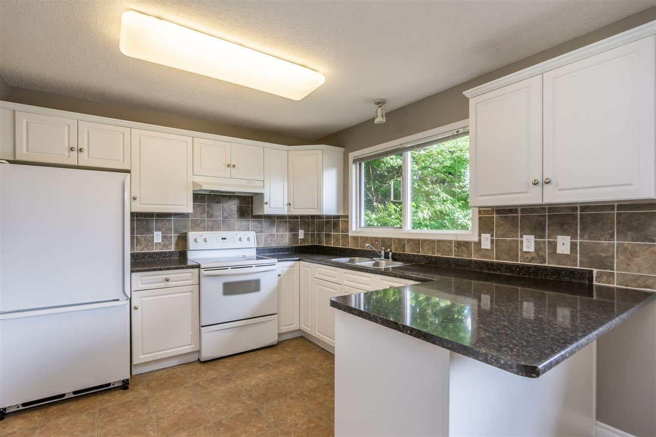 """Main Photo: 34779 MARSHALL Road in Abbotsford: Abbotsford East House for sale in """"McMillan"""" : MLS®# R2397046"""