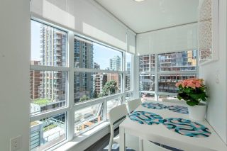 """Photo 10: 1010 1283 HOWE Street in Vancouver: Downtown VW Condo for sale in """"Tate"""" (Vancouver West)  : MLS®# R2607707"""