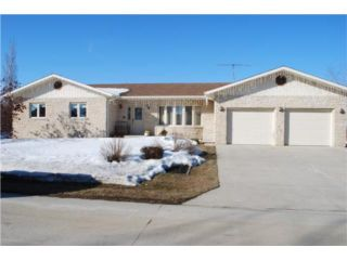Photo 1: 443 Sarah Avenue in SOMERSET: Manitoba Other Residential for sale : MLS®# 1004270