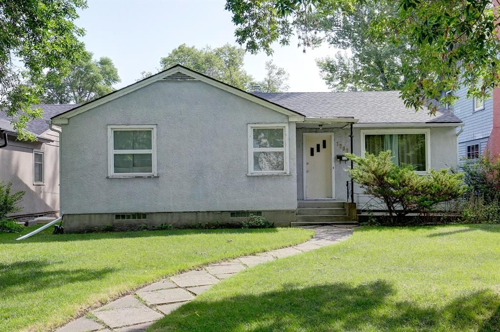 Main Photo: 1906 5A Street SW in Calgary: Cliff Bungalow Detached for sale : MLS®# A1139806