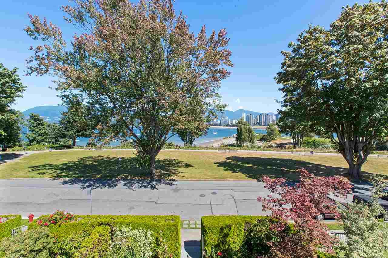 Main Photo: 1988 OGDEN AVENUE in Vancouver: Kitsilano Townhouse for sale (Vancouver West)  : MLS®# R2485009