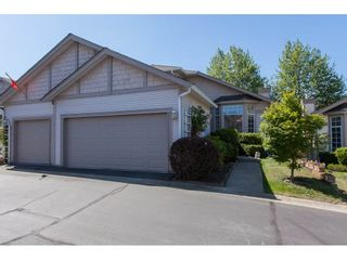 """Photo 1: 117 9012 WALNUT GROVE Drive in Langley: Walnut Grove Townhouse for sale in """"Queen Anne Green"""" : MLS®# R2184552"""