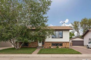 Photo 2: 206 Broadbent Avenue in Saskatoon: Silverwood Heights Residential for sale : MLS®# SK860824