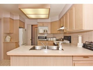"""Photo 8: 6 9163 FLEETWOOD Way in Surrey: Fleetwood Tynehead Townhouse for sale in """"Fountains of Guildford"""" : MLS®# F1323715"""