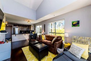 "Photo 3: 405 212 LONSDALE Avenue in North Vancouver: Lower Lonsdale Condo for sale in ""Two One Two"" : MLS®# R2361446"