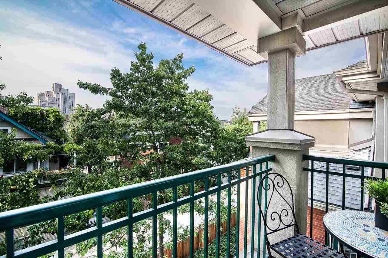 """Photo 5: Photos: 409 929 W 16TH Avenue in Vancouver: Fairview VW Condo for sale in """"OAKVIEW GARDENS"""" (Vancouver West)  : MLS®# R2189624"""