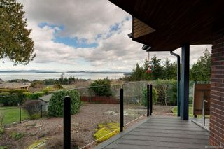 Photo 7: 8735 Pender Park Dr in North Saanich: NS Dean Park House for sale : MLS®# 868899