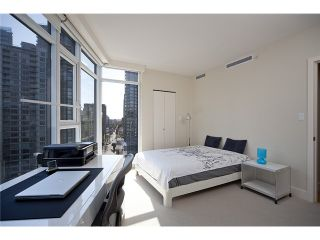 "Photo 9: 2404 1205 W HASTINGS Street in Vancouver: Coal Harbour Condo for sale in ""THE CIELO"" (Vancouver West)  : MLS®# V883729"