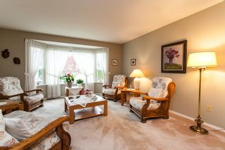 Photo 5: 21583 93B Avenue in Langley: Walnut Grove House for sale : MLS®# R2160482