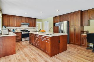 """Photo 10: 1911 134 Street in Surrey: Crescent Bch Ocean Pk. House for sale in """"Chatham Green Ocean Park"""" (South Surrey White Rock)  : MLS®# R2572714"""