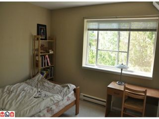"""Photo 6: 10 15488 101A Avenue in Surrey: Guildford Townhouse for sale in """"COBBLEFIELD LANE"""" (North Surrey)  : MLS®# F1219842"""
