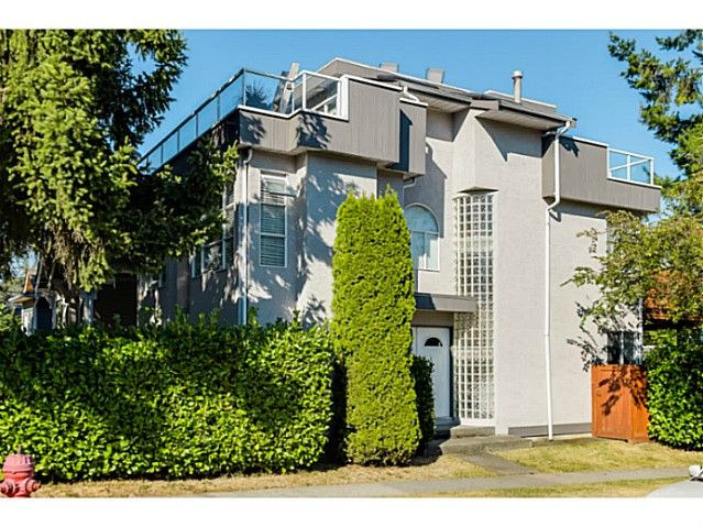 """Main Photo: 363 E 30TH Avenue in Vancouver: Main House for sale in """"MAIN STREET"""" (Vancouver East)  : MLS®# V1085412"""