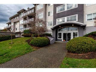 """Photo 2: 307 33599 2ND Avenue in Mission: Mission BC Condo for sale in """"Stave Lake Landing"""" : MLS®# R2424378"""