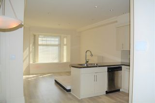 Photo 5: 2168 FRANKLIN STREET in Vancouver: Hastings Townhouse for sale (Vancouver East)  : MLS®# R2382704