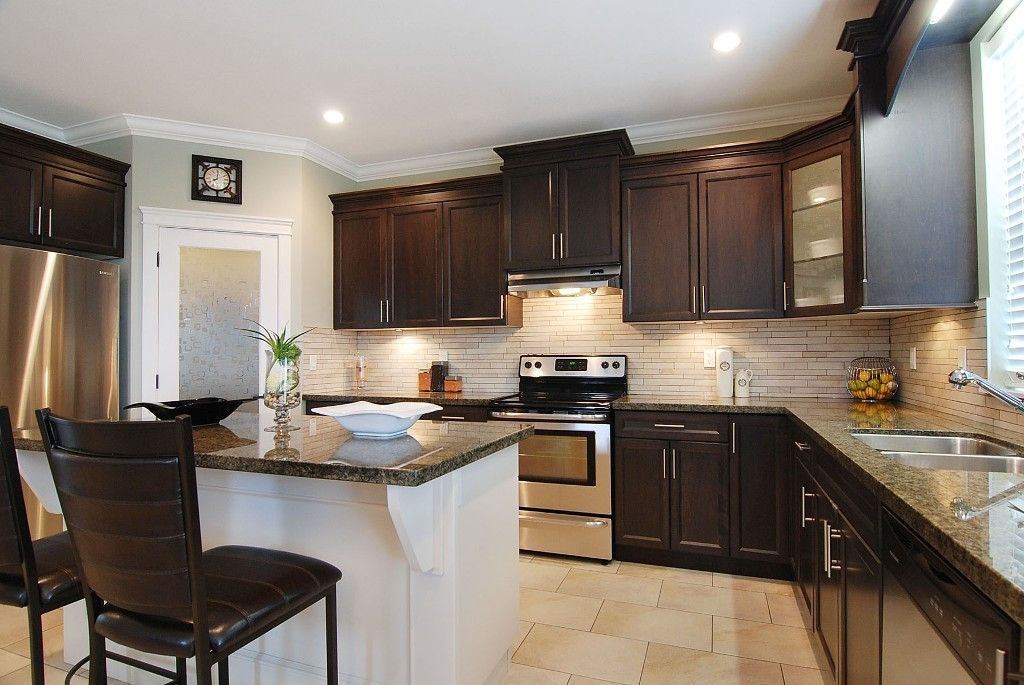 Photo 2: Photos: 6053 145A ST in : Sullivan Station House for sale : MLS®# F1115004