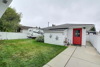 Photo 35: 5915 18 Avenue NE in Calgary: Pineridge Detached for sale : MLS®# A1032998