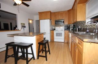 """Photo 2: 10144 WEDGEWOOD Drive in Chilliwack: Fairfield Island House for sale in """"Fairfield"""" : MLS®# R2520603"""