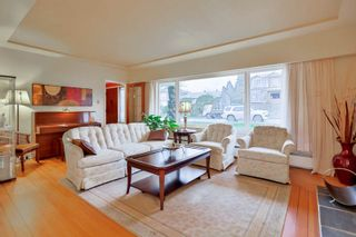 Photo 3: 6440 BUCHANAN Street in Burnaby: Parkcrest House for sale (Burnaby North)  : MLS®# R2032040