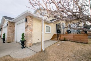 Photo 2: 141 Wood Valley Place SW in Calgary: Woodbine Detached for sale : MLS®# A1089498