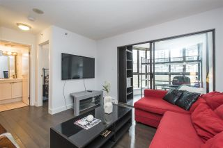 """Photo 10: 410 488 HELMCKEN Street in Vancouver: Yaletown Condo for sale in """"Robinson Tower"""" (Vancouver West)  : MLS®# R2239699"""