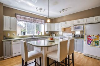 """Photo 12: 18468 66A Avenue in Surrey: Cloverdale BC House for sale in """"HEARTLAND"""" (Cloverdale)  : MLS®# R2476706"""