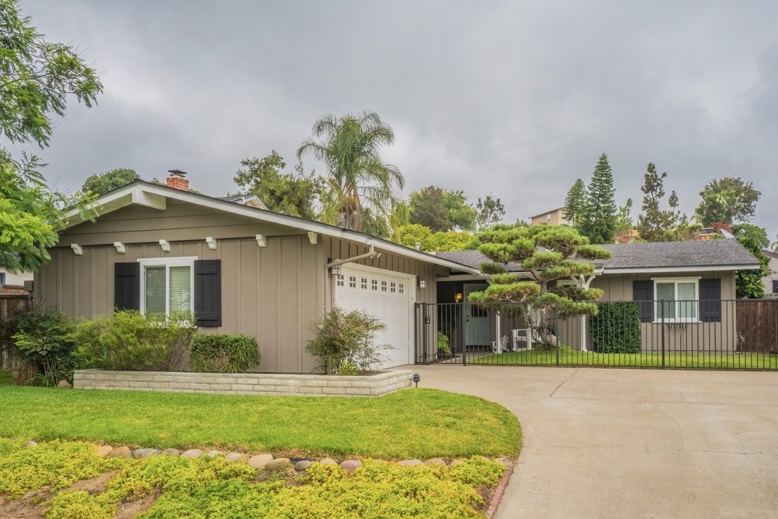 Main Photo: BAY PARK House for sale : 3 bedrooms : 3072 Aber St in San Diego