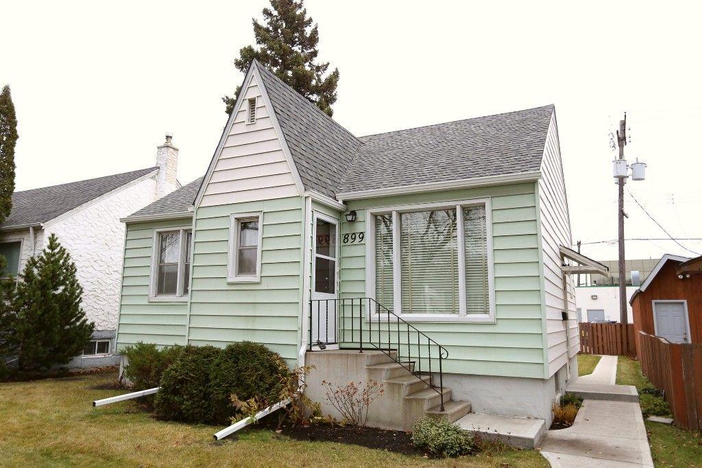 Photo 2: Photos: 899 Clifton Street in Winnipeg: West End Single Family Detached for sale (West Winnipeg)  : MLS®# 1529435