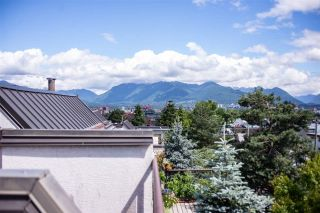 """Photo 14: 402 2222 PRINCE EDWARD Street in Vancouver: Mount Pleasant VE Condo for sale in """"SUNRISE ON THE PARK"""" (Vancouver East)  : MLS®# R2285545"""