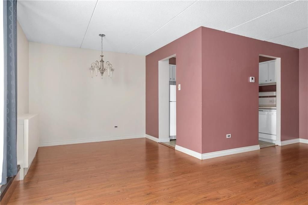 Photo 4: Photos: 309 1600 Taylor Avenue in Winnipeg: River Heights South Condominium for sale (1D)  : MLS®# 202101594