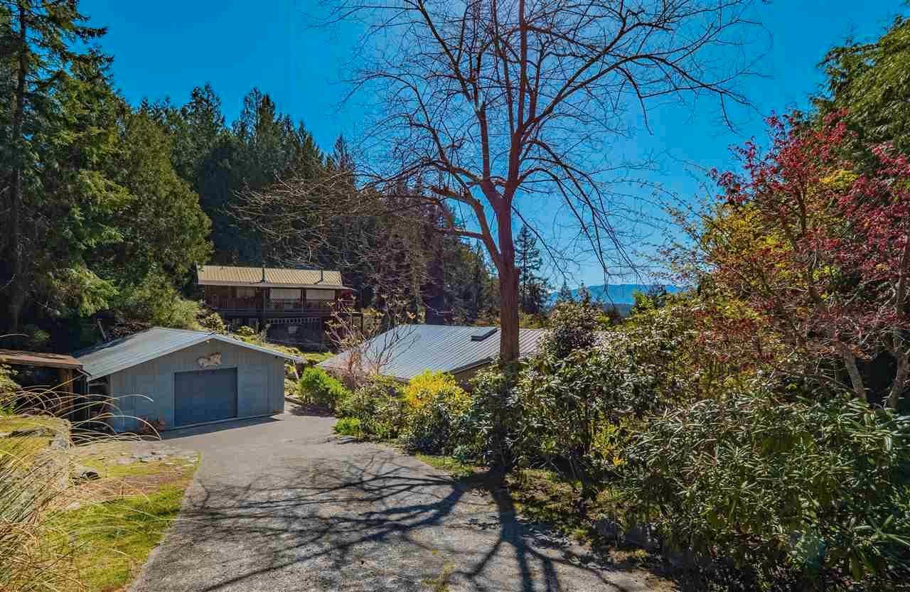 Main Photo: 5220 CLAYDON Road in Garden Bay: Pender Harbour Egmont House for sale (Sunshine Coast)  : MLS®# R2573318