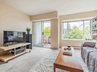 Photo 3: 302 788 E 8TH Avenue in Vancouver: Mount Pleasant VE Condo for sale (Vancouver East)  : MLS®# R2584657