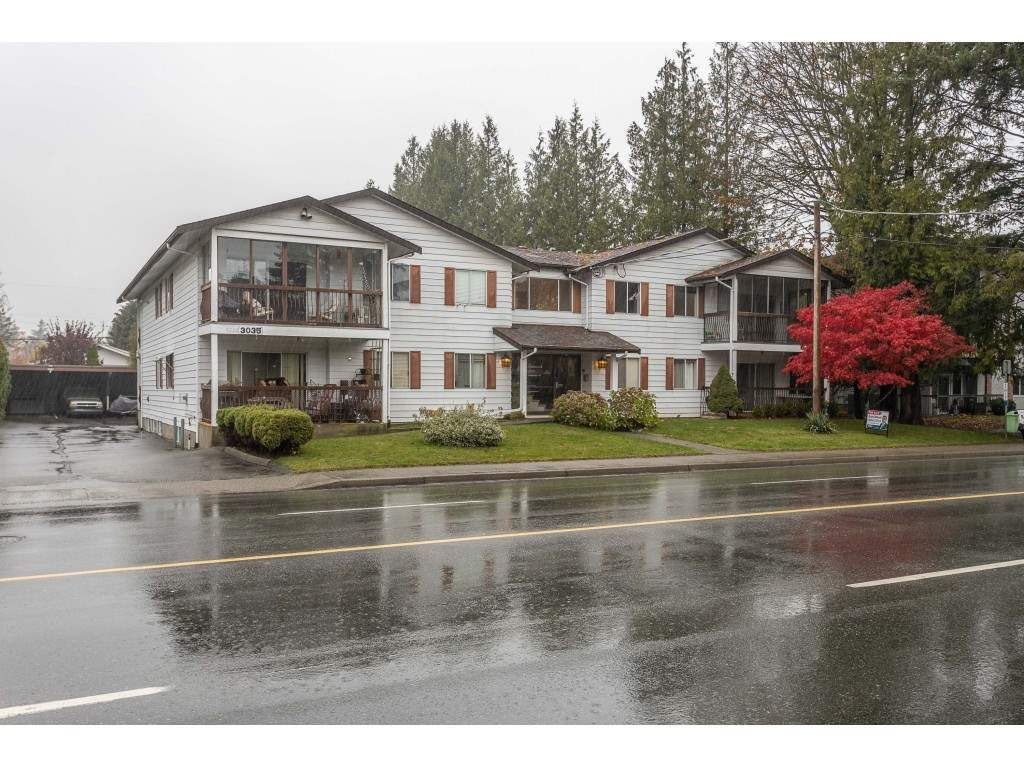 """Main Photo: 204 3035 CLEARBROOK Road in Abbotsford: Abbotsford West Condo for sale in """"Rosewood Gardens"""" : MLS®# R2515086"""