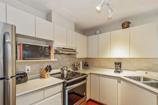 """Photo 11: 102 315 E 3RD Street in North Vancouver: Lower Lonsdale Condo for sale in """"Dunbarton Manor"""" : MLS®# R2574510"""