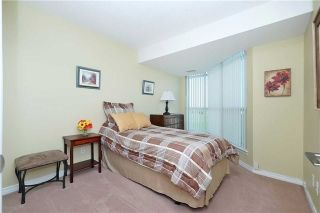 Photo 2: 812 340 W Watson Street in Whitby: Port Whitby Condo for sale : MLS®# E3365946