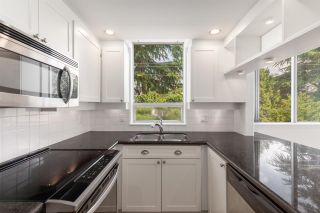 """Photo 5: 326 1979 YEW Street in Vancouver: Kitsilano Condo for sale in """"CAPERS"""" (Vancouver West)  : MLS®# R2566048"""