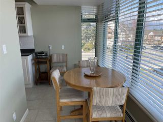 """Photo 13: 303 15466 NORTH BLUFF Road: White Rock Condo for sale in """"THE SUMMIT"""" (South Surrey White Rock)  : MLS®# R2557297"""