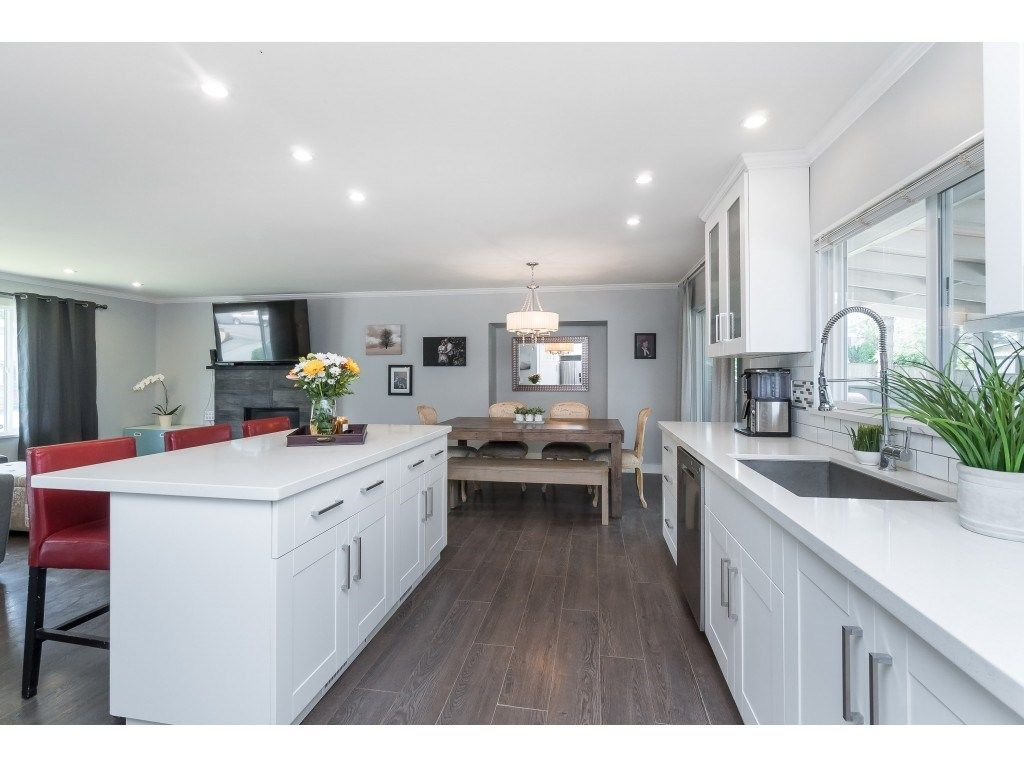 """Photo 10: Photos: 2669 VALEMONT Crescent in Abbotsford: Abbotsford West House for sale in """"West Clearbrook"""" : MLS®# R2460646"""