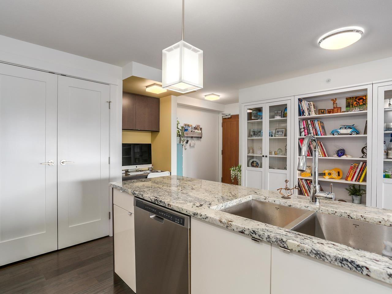 "Photo 10: Photos: 202 14955 VICTORIA Avenue: White Rock Condo for sale in ""SAUSALITO BEACH SIDE LIVING"" (South Surrey White Rock)  : MLS®# R2128764"